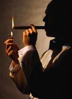 Как курить сигары